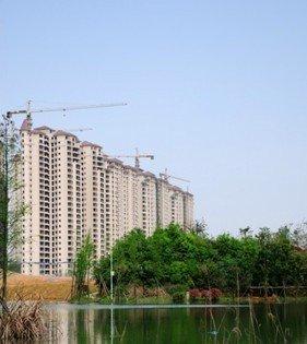 益阳碧桂园二期精装样板房和社区泳池同步开放