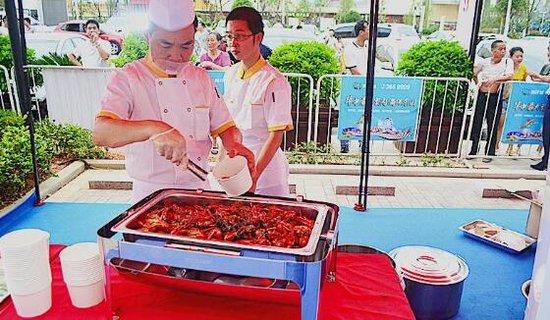 """益阳海洋城饕餮夜 聚集千人来""""虾""""搞"""