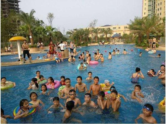 凉泳、冰啤、欢聚……畅暑一夏,来万兴雅苑!