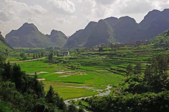 我市江华瑶族自治县宝镜村,零陵区周家大院等10个古村镇获得首批湖南