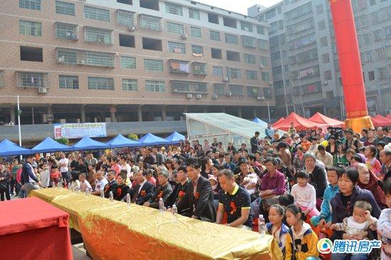 5月1日新中国服装批发城一层品牌折扣店盛大
