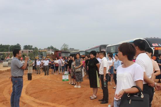 近200名人大代表亲临福宁五金建材物流园考察!