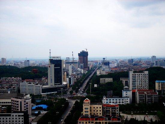 2017年11月10日岳阳市中心城区新建商品房网签73套