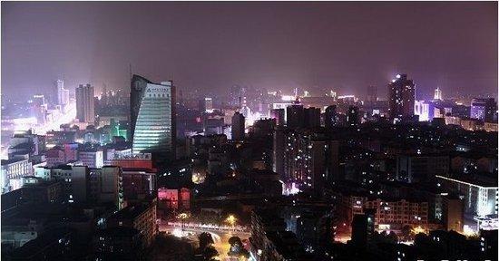 2017年12月4日岳阳市中心城区新建商品房网签36套