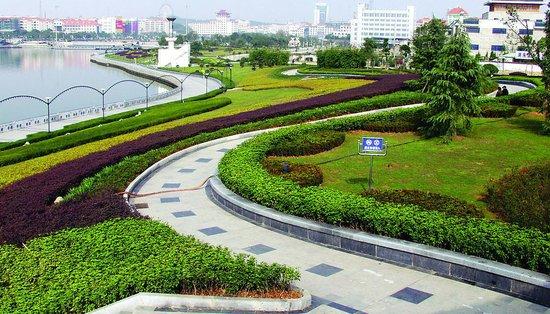 2017年9月9日岳阳市中心城区新建商品房网签64套