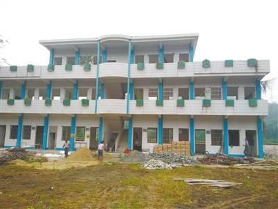 布马小学整改工程动工建设