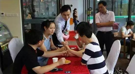 时间酝酿了幸福 见证家人们的每一次欢聚