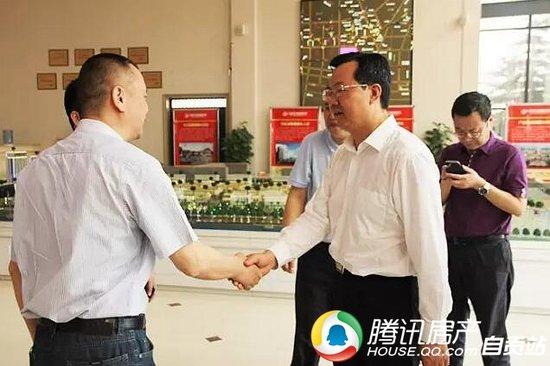 自贡市委书记李刚到川南五金商贸城调研