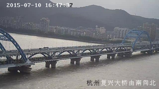 """""""灿鸿""""袭浙 24小时直播机位看台风实景"""