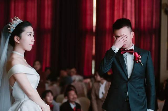 婚礼才花1.3w?各种惊喜让新郎哭成了泪人