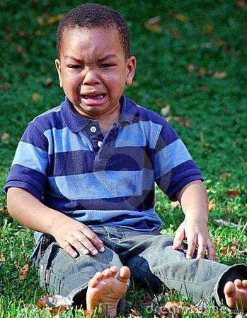 """家有男孩别这么教 不要说""""有泪不轻弹"""""""