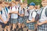 英国男生穿女裙上学