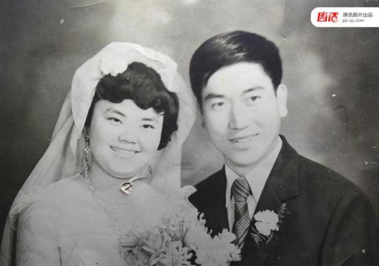 各年代结婚照引热议 旧照片仍不减甜蜜