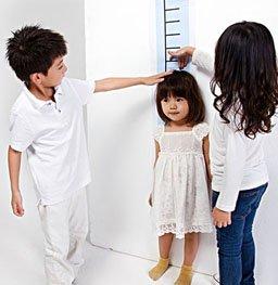 """""""身高到底由啥决定 测一测你的孩子能长多高?"""