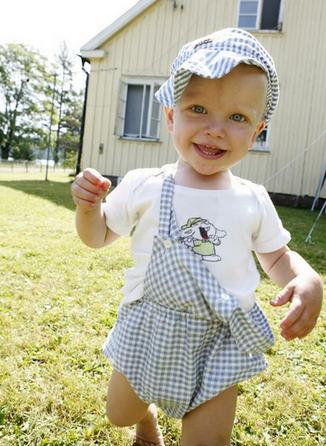 孩子这5种错误走路姿势有害健康 妈妈一定要留意!