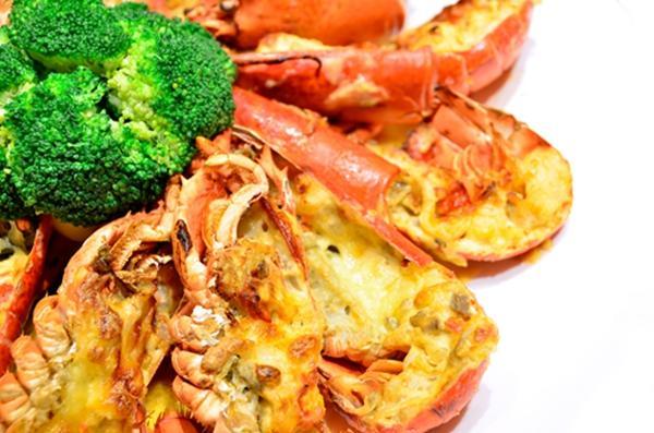 波士顿大龙虾吃起,龙虾真的是百吃不厌的呦