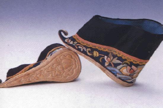 古代女子的高跟鞋