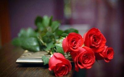199元买了恋爱险 3年后获赔万朵玫瑰