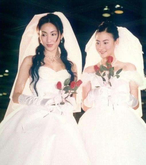 48岁黎姿近照 3个女儿长得比她还美