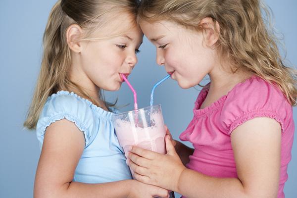 简单好做的儿童蔬菜水果奶昔 供懒爸妈收藏