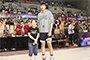 """16岁身高近2米20的余嘉豪 未来有望成中国篮球的擎天一柱""""width="""