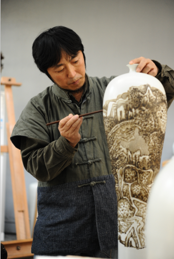 富春山里品瓷画之韵 张国君陶瓷艺术展在杭开幕