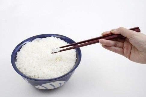 维舟:中国人为什么使用筷子?