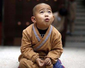 萌娃免费吃住寺院 开启别样童年