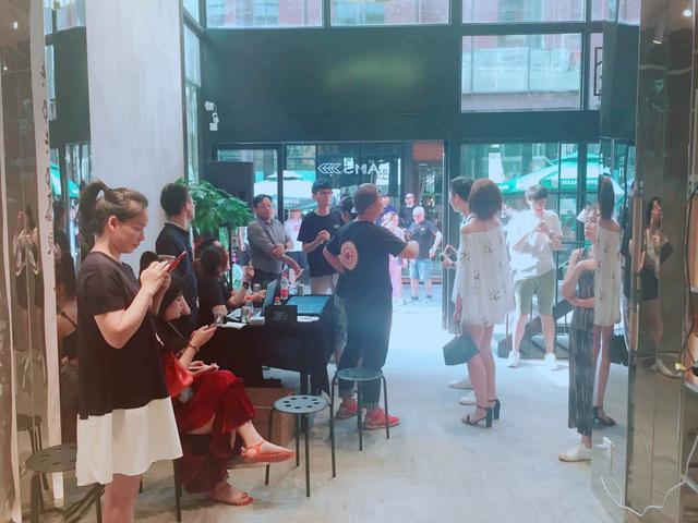 HAMS杭州开幕式 潮流色彩行为艺术show盛夏亮相