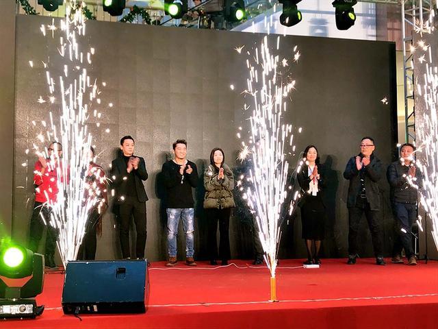 滨江宝龙城迎一周年庆 新歌声冠军助力庆生