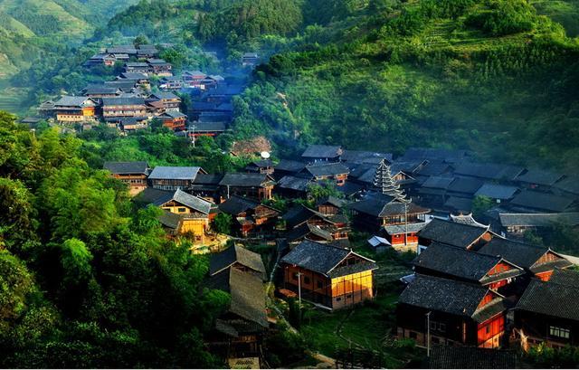 当中秋邂逅国庆,他们竟相约到了通道侗乡