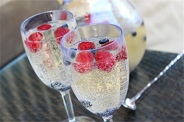 白葡萄酒过适饮期怎么办 3个方法解决
