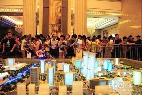 交三万块钱提前选房!杭州楼市开盘现场太疯狂