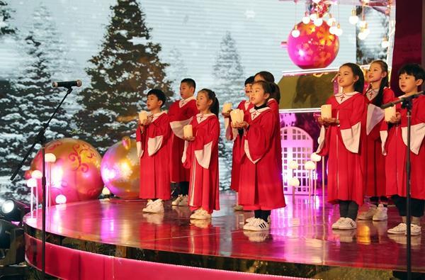 """北欧圣诞""""魔法角落""""开启 杭州艺术地标掀起狂欢序幕"""