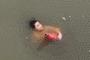 太惊险!一女子在望江门江面上漂浮了许久