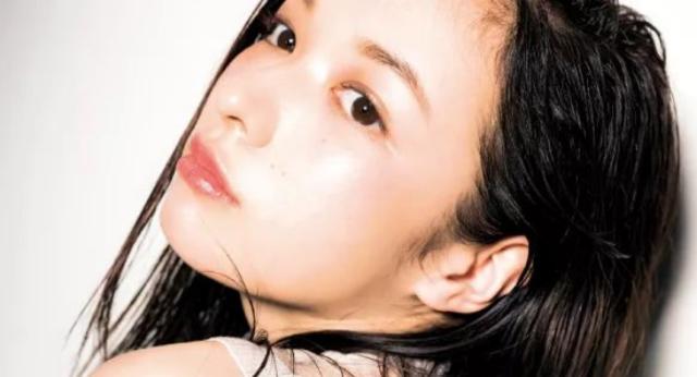 日本女生妆容高级细腻/