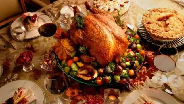 多场活动爱不停歇 对爸爸妈妈说出爱的每天都是感恩节