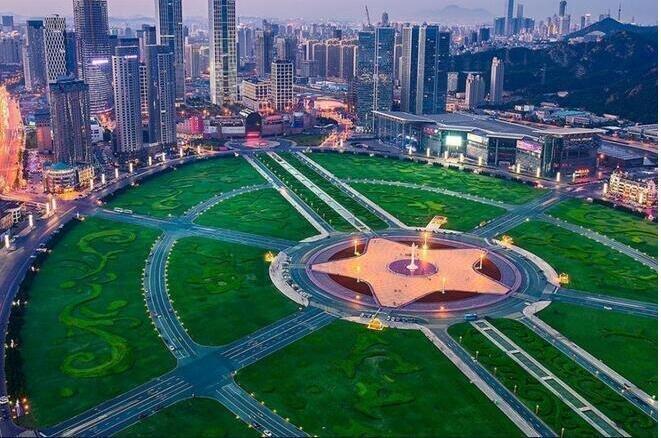 全球最大的广场就在中国