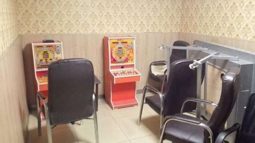 棋牌室隐匿赌博机 湖州吴兴警方接举报迅速查处