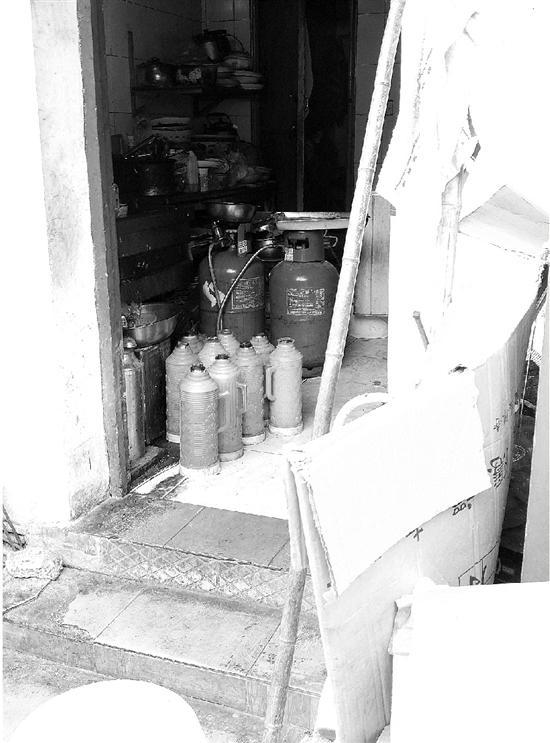 杭州西湖一村庄至今不通燃气 管道已铺好13年