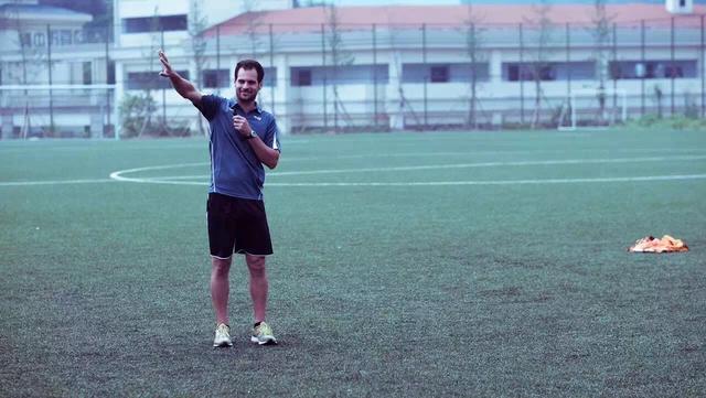 青少年足球教学专家——Trevor