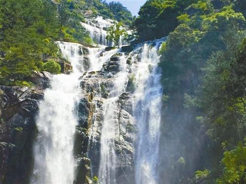 天台重现325米大瀑布 曾因建水库中断了60年