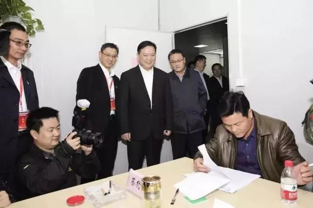 签约率91.83%!江南新城2镇房屋搬迁工作首日捷报频传