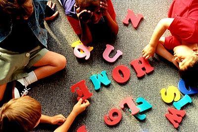 专家:学英语没必要从幼儿园就开始