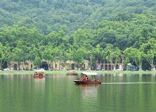 杭州:湖上泛舟