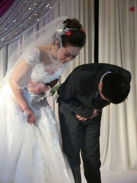 涨姿势了 婚礼上99%的新人容易忽略的仪态细节