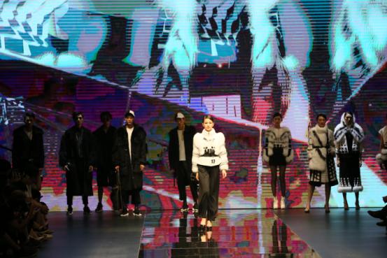 """第二十届""""真皮标志杯""""服装设计大赛决赛在海宁举行"""