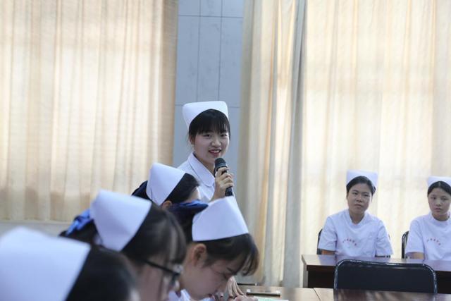 全国团代表祝黎昕前往衢州职业技术学院调研
