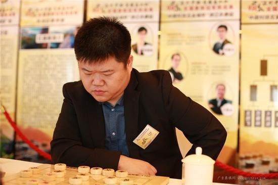 象棋第一人讨薪案时隔一年终有果 一审判胜诉
