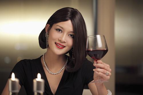女人喝红葡萄酒的5个好处